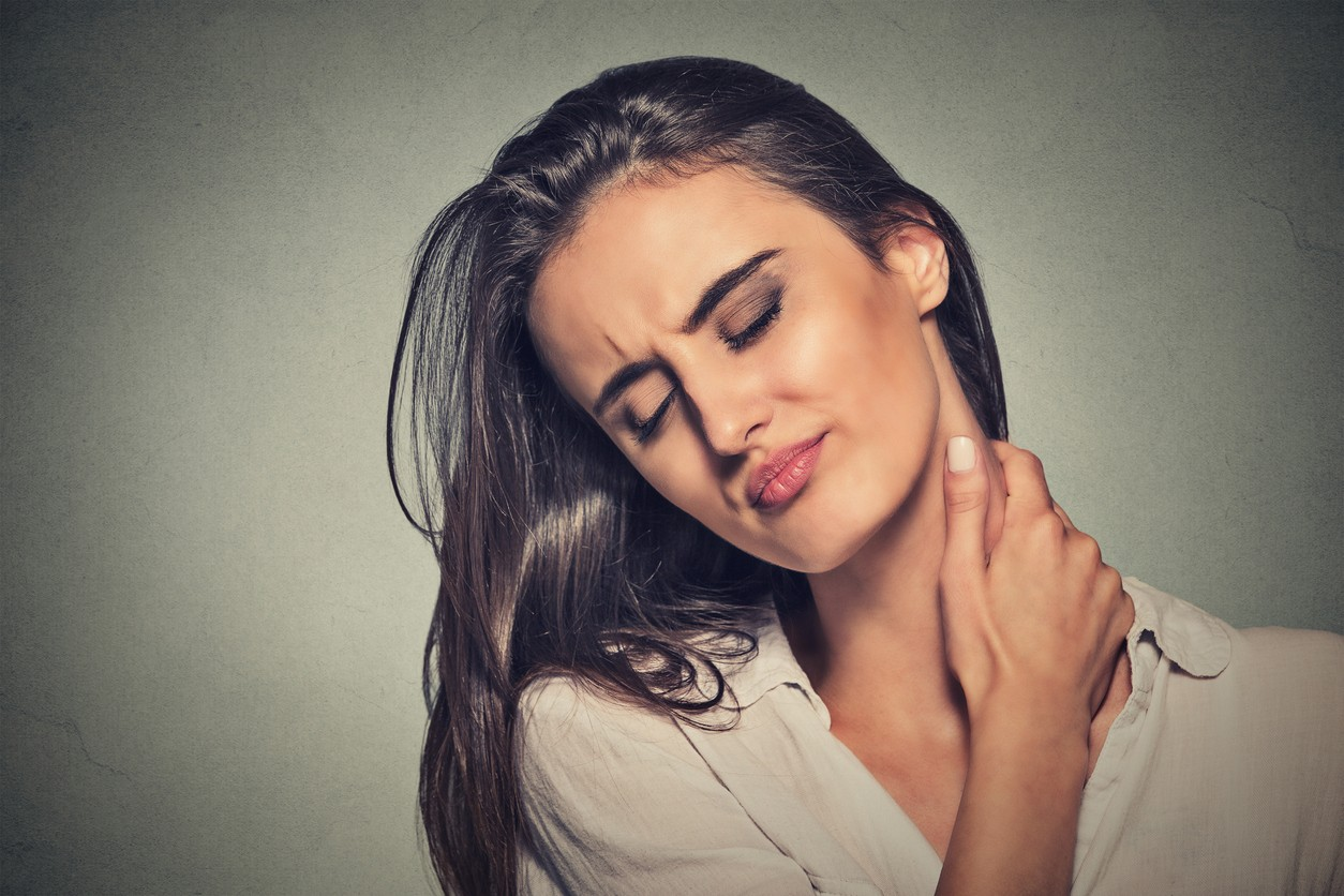 Living with Fibromyalgia: What Causes it and What You Can Do About It? on pinesspine.com
